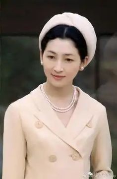 Royal Fashion, 1950s Fashion, Japanese Mythology, Real Princess, Older Women Fashion, The Empress, Classic Actresses, Love Affair, Old Photos