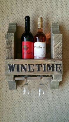 My first 2 bottle wine rack The Effective Pictures We Offer You About DIY Wine Rack simple A quality picture can tell you many things. You can find the most beautiful pictures Wine Rack Wall, Wine Glass Holder, Wine Bottle Holders, Wine Rack Inspiration, Wine Rack Design, Pallet Wine, Rustic Wine Racks, Wooden Pallet Projects, Italian Wine