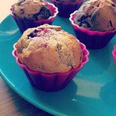Himbeeren und Frischkäse ergeben super saftige Muffins. Einfach und schnell mit wenigen Zutaten zaubert ihr euren Gästen leckeren Kuchen für den Nachmittag.