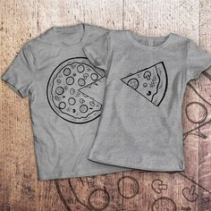 Pizza t shirt / piece of pizza / couple shirts / matching couple shirts / couples shirts / his and hers shirts / couple / pärchen t-shirts Cute Couple Shirts, Couple Tees, Matching Couple Shirts, Matching Couples, T Shirt Couple, Best Friend Outfits, Couple Outfits, Couple Clothes, T-shirt Paar