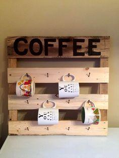 DIY Pallet Coffee Mug Rack | 99 Pallets love this