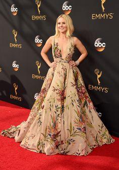 Kristen Bell - 68th Annual Emmy Awards in LA - 9/18/16
