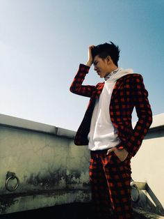 what is it with lead rappers and checkered suits??  It was for a photo shoot I do believe