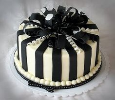 Black And White Cake Perfect For That Birthday When You Re Not Sure If