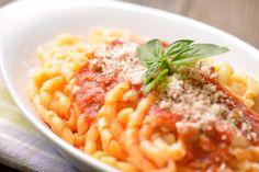 """Bob Le Chef: Au menu: sauce bolognaise végétarienne aux champignons - Cette recette est encore meilleure accompagnée de """"meatballs"""" au tofu..."""