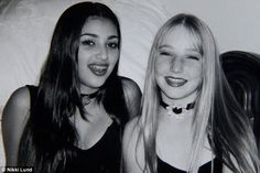 Cool kids of Calabasas?: Kim, at age had braces as a teen and already plucked brows while Nikki wore a nineties style choker Young Kim Kardashian, Kim Kardashian Before, Kardashian Style, Kardashian Jenner, Kardashian Family, Lund, Jenner Family, 90s Fashion, Fashion Trends