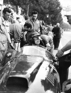 Mike Hawtorn (Lancia-Ferrari 801) Grand Prix de Monaco 1957. - L'Age d'or de la course automobile.