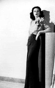 "elizabethrosemondtaylors:  ""Hedy Lamarr, 1940s.  """