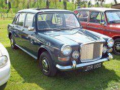267 Vanden Plas 1100 Princess Mk.I (1966) by robertknight16, via Flickr