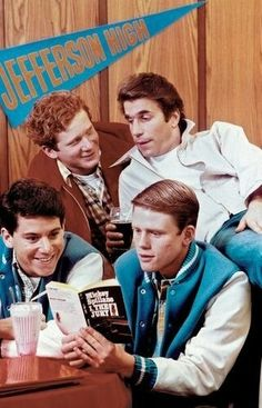 Happy Days TV show with the Fonz! Happy Days Tv Show, Tv Happy, Tv Vintage, The Fonz, Mejores Series Tv, Non Plus Ultra, Old Shows, Great Tv Shows, Movies