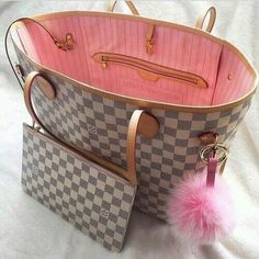 Eleganza scarpe  e borse  che passione! Elegance shoes  and bags  that passion  #sterlizia #sterliziashop #sterl fashion #wonderful #enjoy #beautiful #bag #love #shopping #luxury #madeinitaly #ecommerce #onlinestore #buy #girl #girls #style #spring #tweegram #joy #fashion #instafashion #fashionista #instagood #trendsetter #instamood #instadaily #photooftheday #love #cool