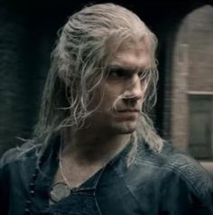 Geralt of Rivia from The Witcher TV Show. This short biography attempts to fill in some of the elements missed in the shows without giving away spoile The Witcher Geralt, Geralt Of Rivia, Tv Series On Netflix, Series Movies, Jason Momoa, Henry Cavill Movies, The Witchers, Lexa The 100, Sci Fi Tv Shows