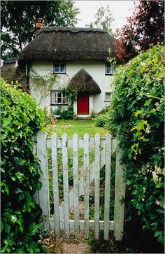 Thatched cottage with red door, and gate photo poster by Barbara Van Zanten Cute Cottage, Cottage Style, Cottage Ideas, Cottage Living, Cottage Homes, Old Gates, Green House Design, Felt House, Victorian Cottage