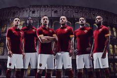 Presentada la camiseta titular de la Roma 2014/15