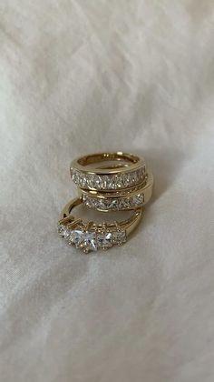 Cute Jewelry, Gold Jewelry, Jewelry Box, Jewelry Accessories, Fashion Accessories, Fashion Jewelry, Jewelry Design, Jewellery, Minimalist Jewelry