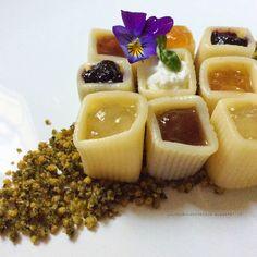 La luna sul cucchiaio: Pasta dolce su crumble al basilico