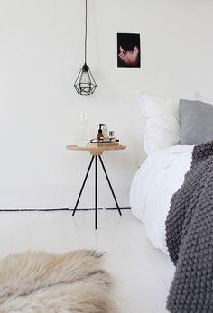 slaapkamer - wit - hout - grijs - zwart - warm - licht