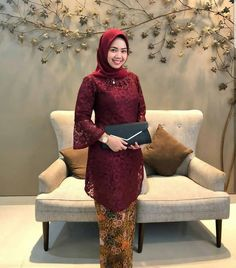 Image may contain: 1 person, sitting Model Kebaya Muslim, Dress Brokat Muslim, Kebaya Modern Hijab, Model Kebaya Modern, Kebaya Hijab, Muslim Dress, Kebaya Lace, Kebaya Dress, Muslim Fashion