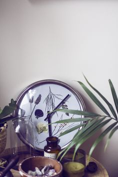 DIY Pressed Flower Wall Clock