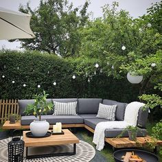 Garden Sofa Set Grey and Light Wood MYKONOS - Garden and outdoors - Design Rattan Furniture Backyard Seating, Backyard Patio Designs, Backyard Landscaping, Backyard Ideas, Patio Ideas, Modern Backyard, Backyard Pools, Corner Garden Seating, Corner Sofa Garden
