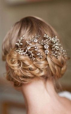 Wedding Hairstyles : Illustration Description braid wedding updo with silver wreath headpiece Wedding Hair And Makeup, Bridal Hair, Hair Makeup, Hair Wedding, Gatsby Wedding, Wedding Bride, Wedding Ceremony, Gatsby Hair, Glamorous Wedding