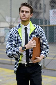Styling Subtle Fluorescents by Adam Gallagher on Fashion Indie Devil Wears Prada, Look Fashion, Mens Fashion, Fashion Trends, Fashion Menswear, Gossip Girl, Looks Style, My Style, Style Men