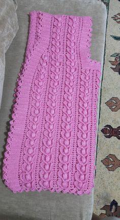 Gilet Crochet, Crochet Blouse, Knit Crochet, Easy Knitting Patterns, Lace Knitting, Crochet Baby Dress Pattern, Baby Vest, Crochet Clothes, Crochet Dresses