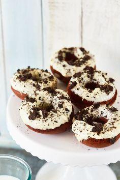 A világ legaddiktívabb fehércsokis fánkja Doughnut, Food And Drink, Quesadillas, Street, Kitchen, Cooking, Quesadilla, Kitchens, Cuisine