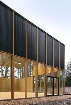 School Gymnasium by Belgian Architect, URA Building Exterior, Building Facade, Building Design, Timber Architecture, Contemporary Architecture, Architecture Design, Gymnasium Architecture, Ancient Architecture, Sustainable Architecture