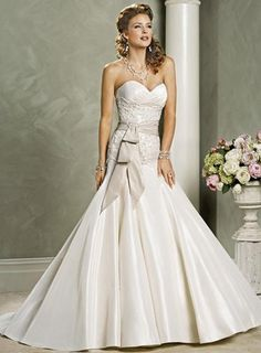 WEDDING - Elegant Wedding Dress