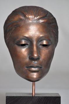 Ceramic mask by Joanna Mozdzen