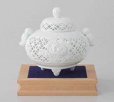 Tokyo Matcha Selection - [Premium] Arita White Porcelain Cencer : PEONY - Fletwork Incense Burner w Base