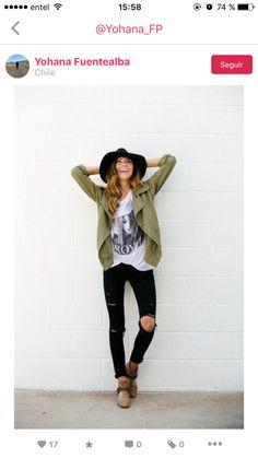 Spring outfit - sombrero negro + chaqueta verde + jeans negros + polera blanca + botines cafes