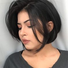 46 Bob With Bangs Hairstyle Ideas Trending for 2019 - Style My Hairs Round Face Haircuts, Hairstyles For Round Faces, Bob Hairstyles, Love Hair, Great Hair, Hair Inspo, Hair Inspiration, Shot Hair Styles, Hair 2018