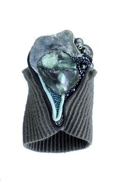 bracelet: fabrics, emerald, shell, glass beads Textiles, Textile Jewelry, Glass Beads, Emerald, Polymer Clay, Shells, Fabrics, Contemporary, Paper
