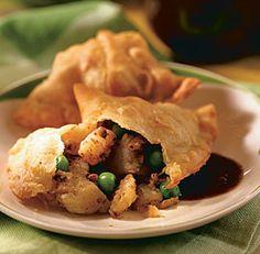 Spicy Potato Samosas (Aloo Samosas)