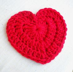 Give someone your heart this Valentines..a large crochet heart! Free tutorial.