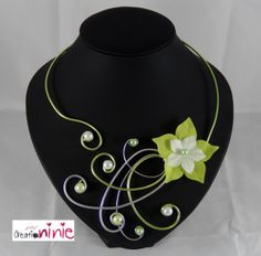 Collier mariage, soirée vert anis et argenté - personnalisable : Collier par creation-ninie Lace Necklace, Resin Necklace, Floral Necklace, Necklace Types, Wire Wrapped Jewelry, Wire Jewelry, Body Jewelry, Jewelry Crafts, Jewelery