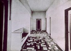 P Oud architect, floor design by Van Doesburg, Halls Holiday House Movement In Architecture, Arch Architecture, Piet Mondrian, Theo Van Doesburg, International Style, Dutch Artists, Floor Design, Contemporary Art, Flooring