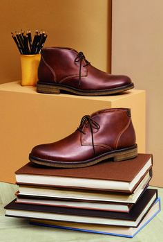 Chukka On: Classic craftsmanship meets casual ease - to cover your bases in style. Chukka On: Classic craftsmanship meets casual ease - to cover your bases in style. Keep Shoes, Buy Shoes, Men's Shoes, Shoe Boots, Dress Shoes, Men Dress, Shoes Editorial, Formal Shoes For Men, Shoes Photo