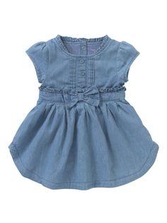 Vestido vaquero para recién nacidas #canastilla #denim