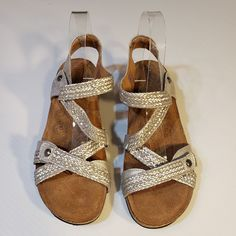 29ace4a540650 Taos Julia Womens 9 9.5   40 Silver Woven Strappy Wedge Heel Comfort Sandals   Taos