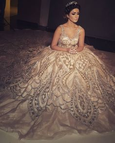 Visit somegram.com to see more Instagram photos, videos and stories #somegram #weddingdresses #weddingdresseslace #weddingdressideas (BZlq3iCFXOg) Bridal Dresses, Wedding Gowns, Prom Dresses, Formal Dresses, Beautiful Gowns, Beautiful Outfits, Dress Vestidos, Luxury Dress, Quinceanera Dresses