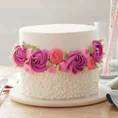 Cake Decorating Frosting, Creative Cake Decorating, Cake Decorating Designs, Cake Decorating Techniques, Cake Decorating Tutorials, Pink Rosette Cake, Floral Cake, Birthday Cake With Flowers, Cute Birthday Cakes
