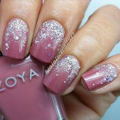 Gradient Silver Glitter Nail Design