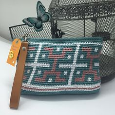Aztec Bag - free crochet pattern in English and Spanish by Ana Alfonsin / Molan mis Calcetas.
