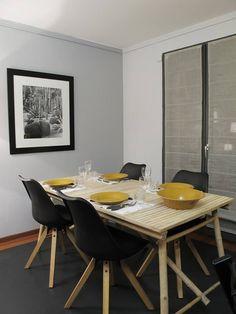 Salle à manger scandinave, salle à manger jaune, salle à manger moderne, bois http://labottesecrete.fr/