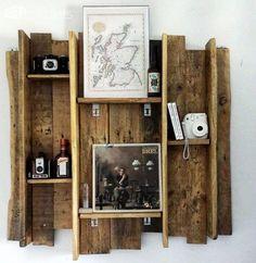 Beautifully Rustic Pallet Shelves / Étagère Réalisée Avec Une Palette Pallet Shelves & Pallet Coat Hangers