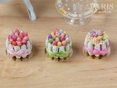 Easter Charlotte Multi-Coloured Eggs and Green par ParisMiniatures