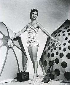 Debbie Reynolds 1953 photo by Virgil Apger Vintage Movie Stars, Vintage Movies, Classic Hollywood, Old Hollywood, Hollywood Icons, Hollywood Style, Tammy And The Bachelor, Debbie Reynolds, Looks Vintage